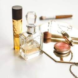 3 Ingredients to Consider and Avoid in Clean Makeup