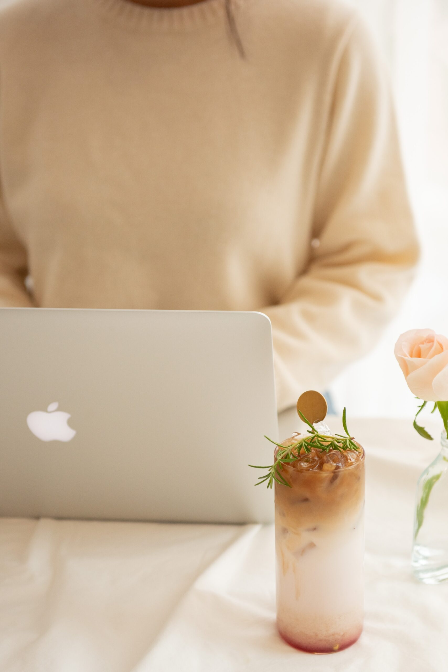 How to make your Online Business or Service Look More Professional. Build brand and services online